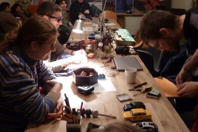 Repair cafe 15.12 image02 credit paivi raivio 660x440