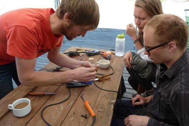 Repair cafe 15.06.13 image01 credit paivi raivio 660x440
